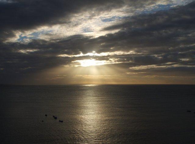 Восход солнца над заливом Робин Гуд'с Бей