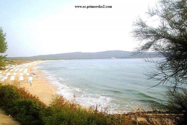 ...       - -   - ->>     Приморско  ;  Северный пляж